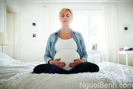 Chú ý giữ tâm lý tốt cho người đang mang thai