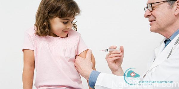 Tiêm phòng thường xuyên để ngăn ngừa bệnh suy gan