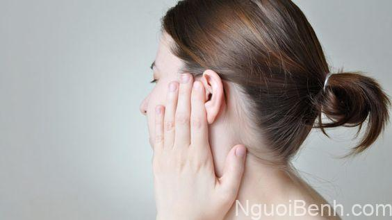 Triệu chứng chảy mủ tai